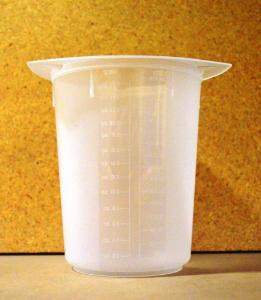 Beaker Tri Pour