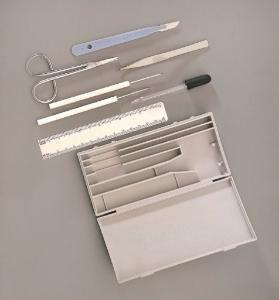 Ward's® Basic Dissecting Set